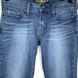 Lucky Brand Sweet and Low Straight Medium 2/26